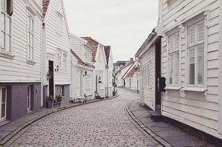 Comprar una casa en el extranjero desde España, Comprar una casa en el extranjero desde España
